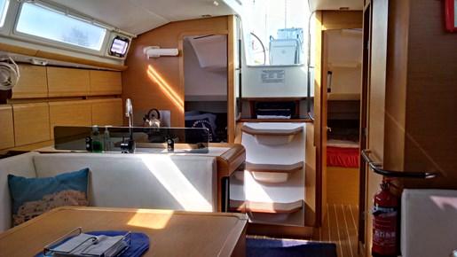 2011 Jeanneau Sun Odyssey 409 Photo 18 sur 28