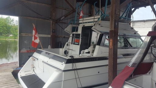 For Sale: 1988 Chris Craft 333 Commander Flybridge 33ft<br/>Keswick Marine