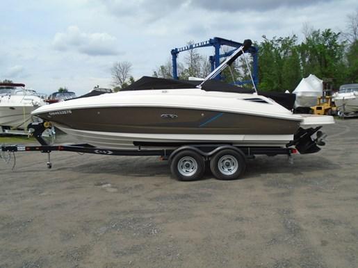 For Sale: 2013 Sea Ray 220 Sundeck 22ft<br/>Hurst Marina, LTD.