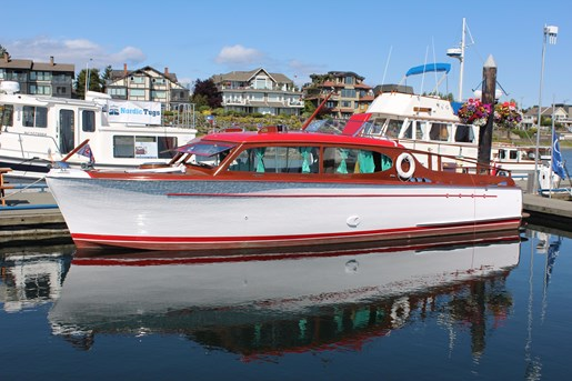 1952 Chris-Craft Super Deluxe Enclosed Photo 2 of 40