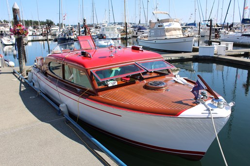 1952 Chris-Craft Super Deluxe Enclosed Photo 1 of 40