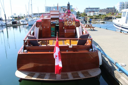 1952 Chris-Craft Super Deluxe Enclosed Photo 4 of 40