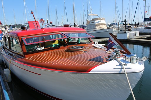 1952 Chris-Craft Super Deluxe Enclosed Photo 5 of 40
