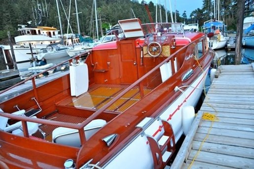 1952 Chris-Craft Super Deluxe Enclosed Photo 33 of 40