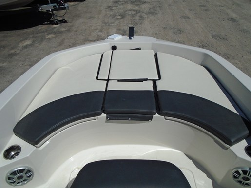 2018 Stingray boat for sale, model of the boat is 186CC For Sale - STR106 & Image # 2 of 9