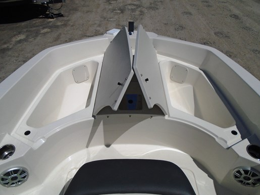 2018 Stingray boat for sale, model of the boat is 186CC For Sale - STR106 & Image # 8 of 9
