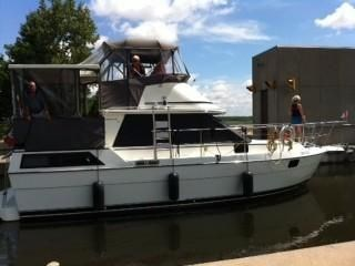 1987 PROWLER 10M AFT CABIN for sale
