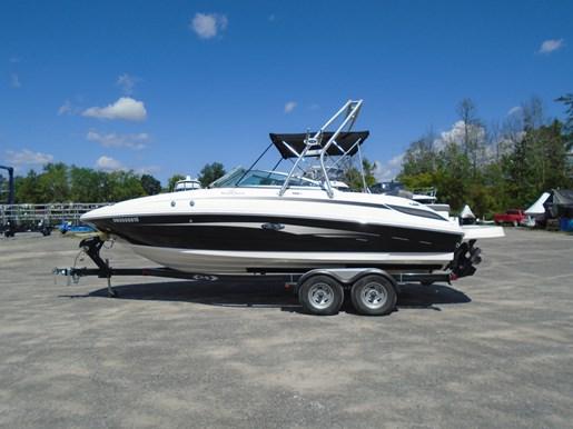 For Sale: 2011 Sea Ray 240 Sundeck 24ft<br/>Hurst Marina, LTD.