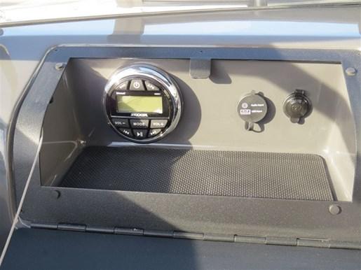 2017 Glastron GTS 180 Mercury 150HP  Trailer Photo 13 of 25