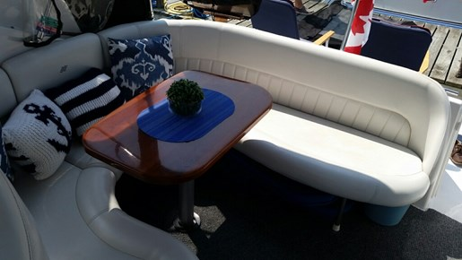 2002 Four Winns boat for sale, model of the boat is 298 Vista & Image # 8 of 14
