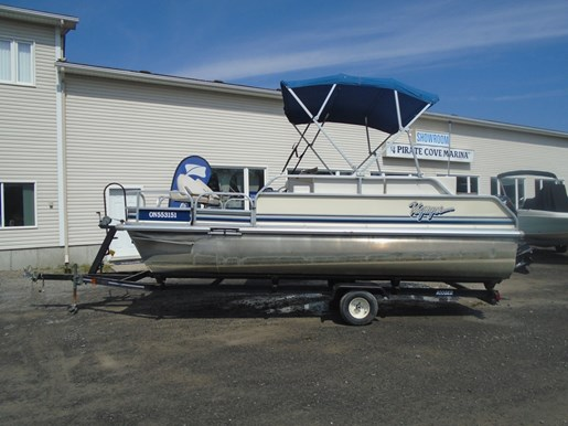 VF18 Pontoon