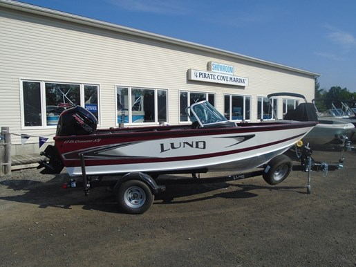 For Sale: 2018 Lund 1775 Crossover White &amp; Red Lf695 17ft<br/>Pirate Cove Marina