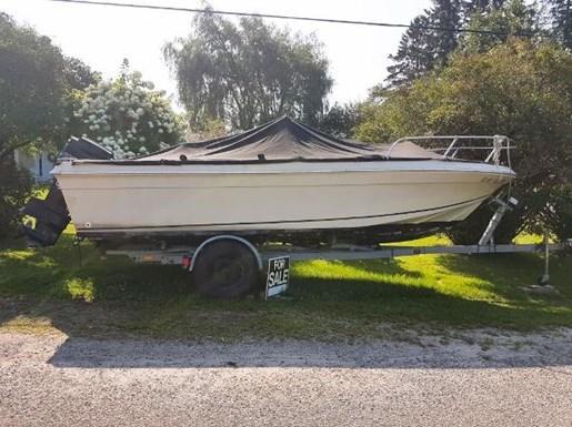 1982 SportCraft 20 Center Console with Trailer Photo 2 of 15