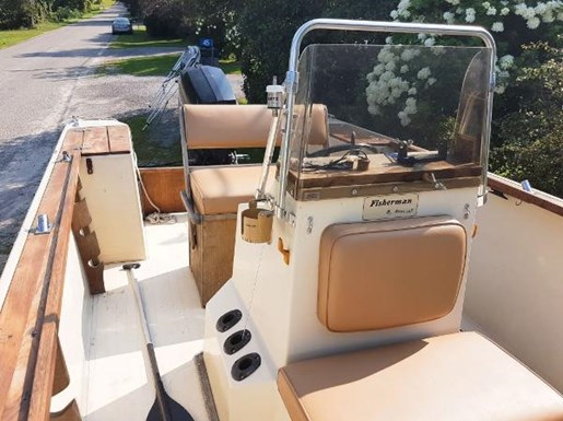 1982 SportCraft 20 Center Console with Trailer Photo 8 of 15