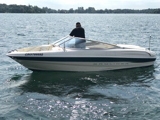 2000 Bayliner 1850 Capri Photo 3 sur 11