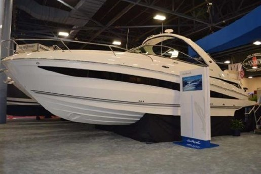 2013 Sea Ray 370 Venture Photo 2 of 21