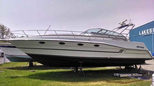 1989 Cruisers Yachts 3670 ESPRIT Photo 2 of 35