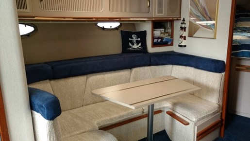 1989 Cruisers Yachts 3670 ESPRIT Photo 23 of 35