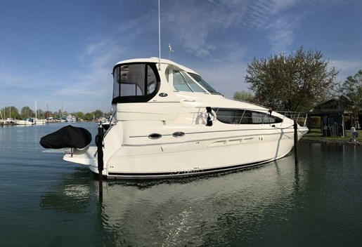 2005 Sea Ray 390 Motor Yacht For Sale