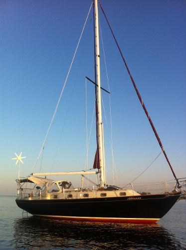 1985 Alberg 34 sloop Photo 1 of 22