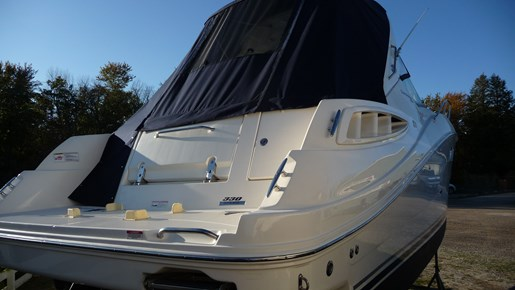 2010 Sea Ray 330 Sundancer Photo 3 of 24