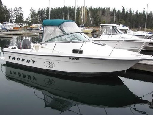 Bayliner Trophy 2000 Used Boat for Sale in Mid Vancouver Island, British  Columbia - BoatDealers ca