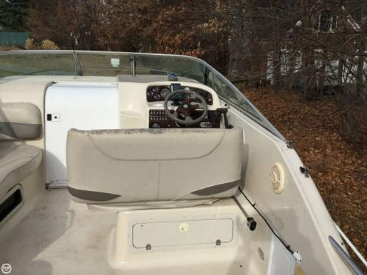 2002 Crownline 262 CR Photo 19 of 20