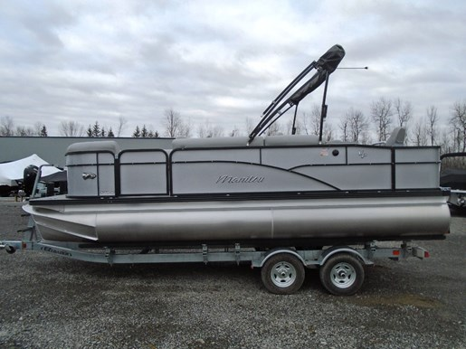 For Sale: 2018 Manitou 20 Oasis Angler 20ft<br/>Pirate Cove Marina