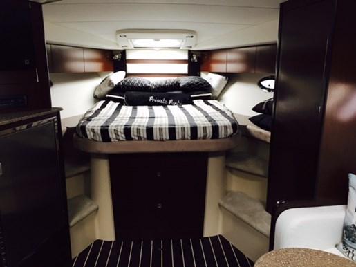 2011 Cruisers Yachts 360 Express Photo 7 of 16