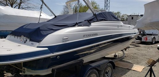 2013 Four Winns boat for sale, model of the boat is 224F & Image # 5 of 11