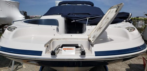 2013 Four Winns boat for sale, model of the boat is 224F & Image # 7 of 11