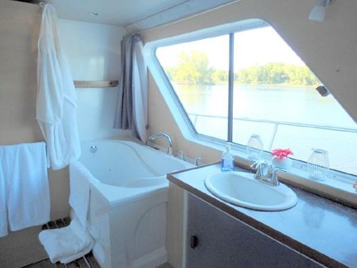 2014 Custom Flybridge Catamaran 50 Photo 8 sur 28