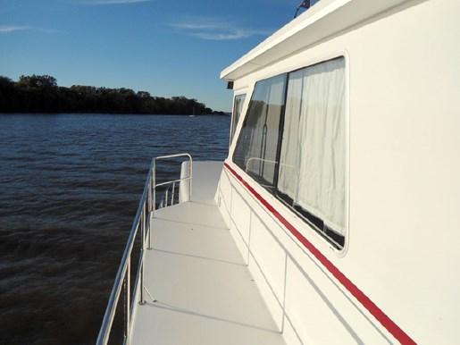 2014 Custom Flybridge Catamaran 50 Photo 18 sur 28