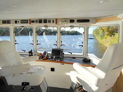 2014 Custom Flybridge Catamaran 50 Photo 20 sur 28