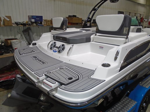 2018 Bryant boat for sale, model of the boat is 233X Surf Full Warr. Dealer Demo For Sale - BRY033 & Image # 5 of 8