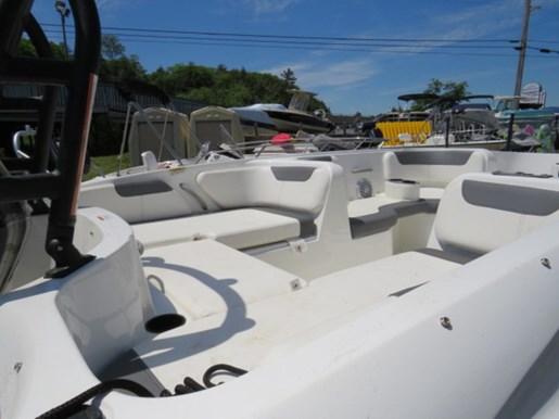 2018 Bayliner 190 Deck Boat Photo 3 of 9