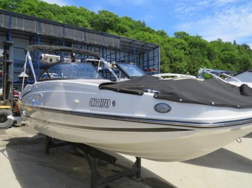 2018 Bayliner 190 Deck Boat Photo 4 of 9