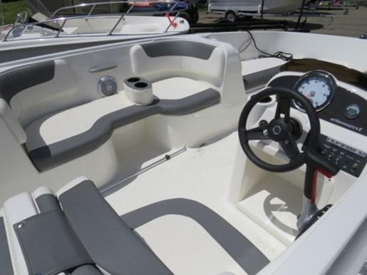 2018 Bayliner 190 Deck Boat Photo 5 of 9