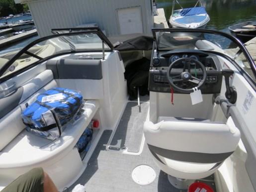 2018 Bayliner 190 Deck Boat Photo 9 of 9