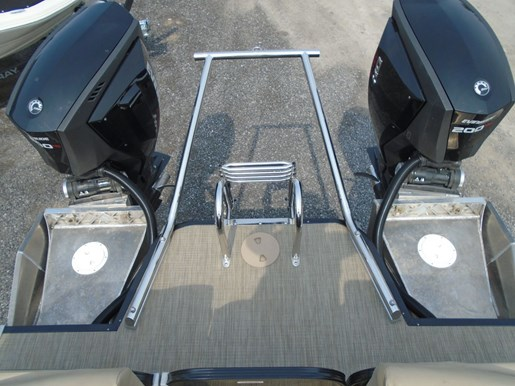 2018 Manitou boat for sale, model of the boat is 25 Encore SE Twin Engine For Sale - MAN107 & Image # 11 of 12