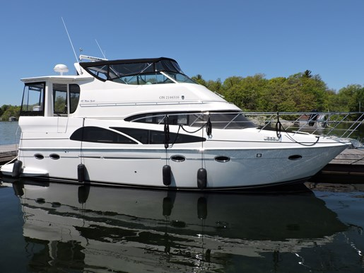 2005 Carver 46 Motor Yacht Photo 1 of 70