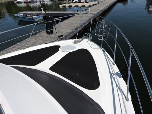 2005 Carver 46 Motor Yacht Photo 20 of 70