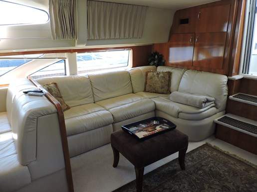 2005 Carver 46 Motor Yacht Photo 27 of 70