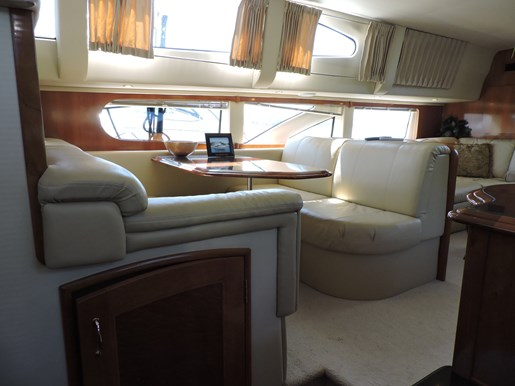 2005 Carver 46 Motor Yacht Photo 37 of 70