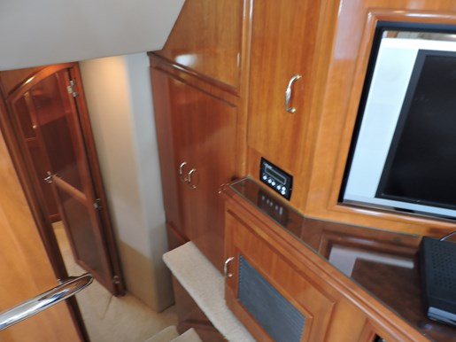 2005 Carver 46 Motor Yacht Photo 47 of 70