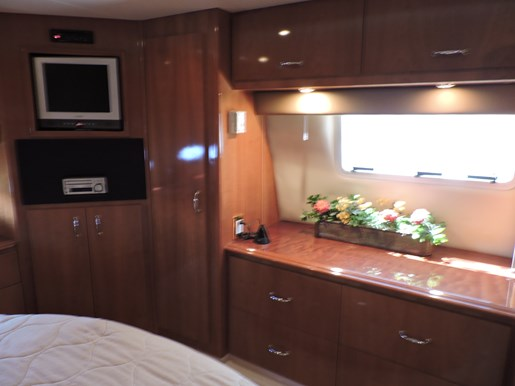 2005 Carver 46 Motor Yacht Photo 54 of 70
