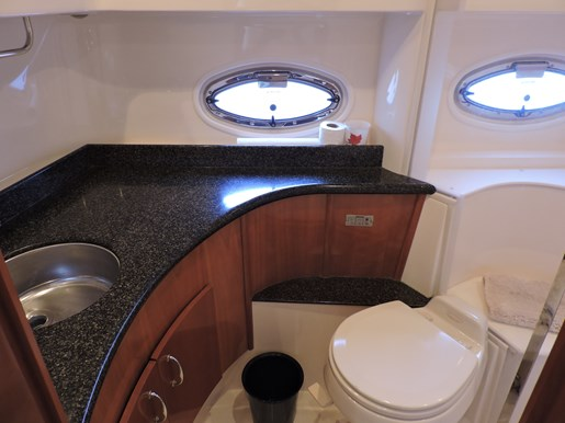 2005 Carver 46 Motor Yacht Photo 57 of 70