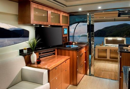 2019 Riviera 6000 Sport Yacht Photo 16 of 66