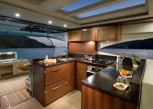 2019 Riviera 6000 Sport Yacht Photo 17 of 66