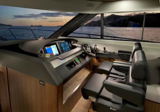 2019 Riviera 6000 Sport Yacht Photo 21 of 66